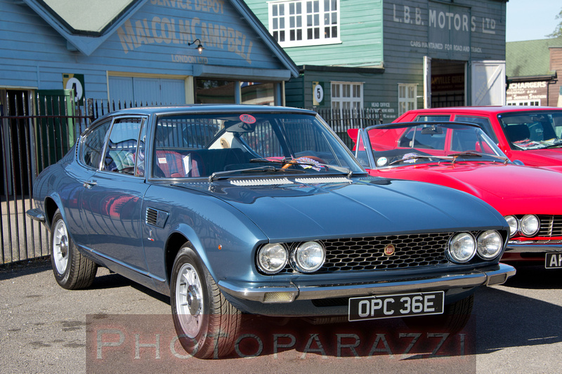 Photoparazzi by sue whyte auto italia brooklands for Mercedes benz brooklands